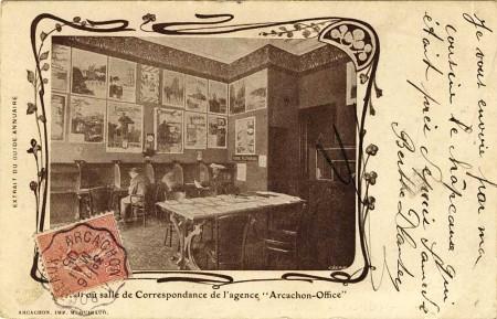 """Hall ou salle de correspondance de l'agence """"Arcachon-Office"""""""